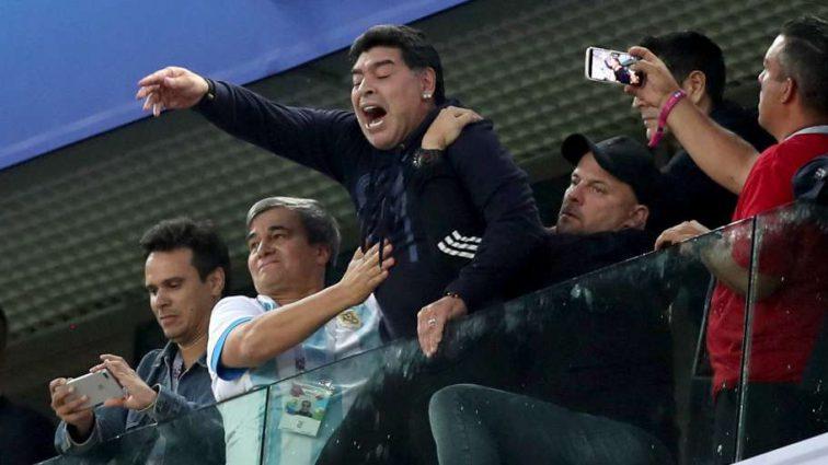 Известный футбольный тренер снова попадает в «пьяный» скандал