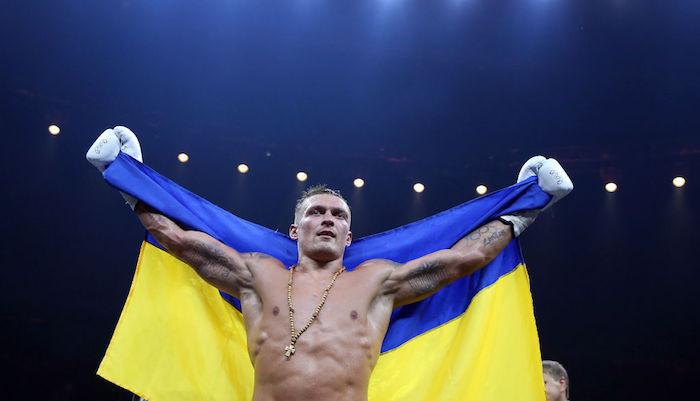 «Усик — настоящий мужик»: россияне эмоционально поддержали украинского боксера