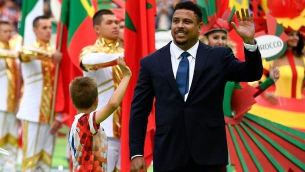 Легендарного бразильского нападающего Роналдо выписали из больницы