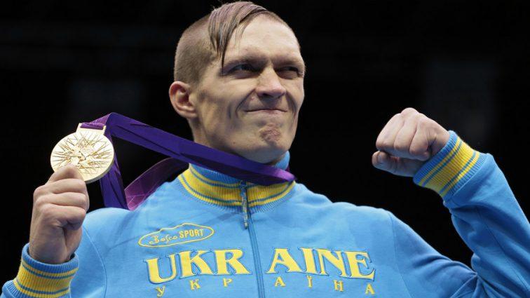 «Бой за все чемпионские пояса»: промоутер Усика объявил дату и место боя против Белью