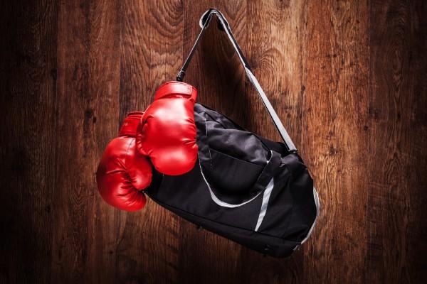 «Я хочу вернуть свой пояс суперчемпиона WBA»: российский боксер «в отпуске» настаивает на проведении боя с Усиком