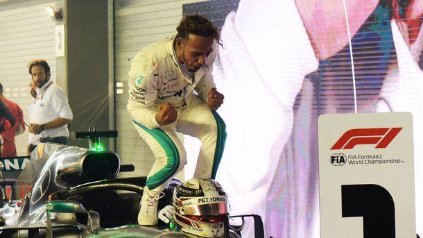 69-ю победу в Формуле-1 получил Льюис Хэмилтон