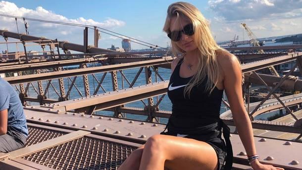 18-летняя Даяна Ястремская на отдыхе в Дубае поражает формами