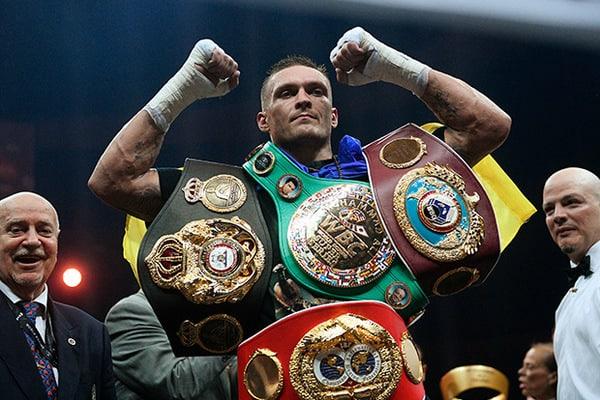 Александр Усик проиграл звание лучшего боксера года