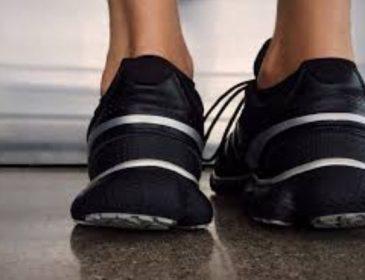 Известный украинский спортсмен травмировал ногу во время соревнований