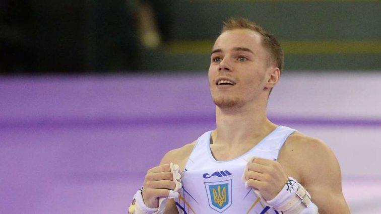 Олимпийскому чемпиону по спортивной гимнастике Олегу Верняеву вручили очередную награду
