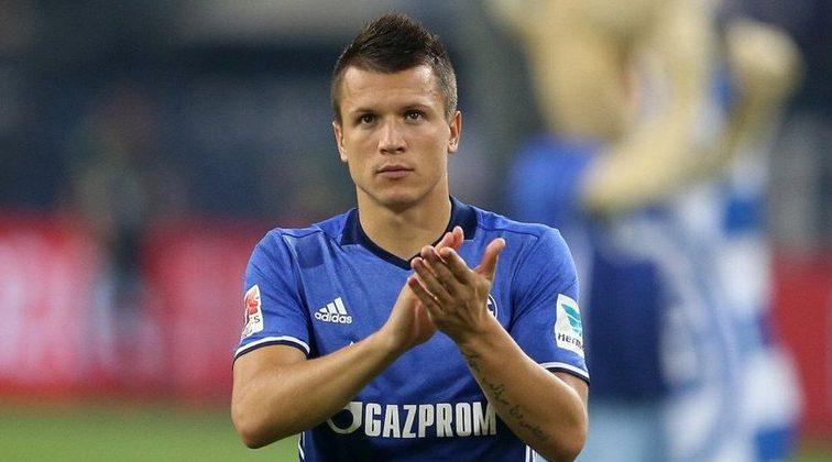 Украинский полузащитник «Шальке» Евгений Коноплянка подписал контракт с известным агентом