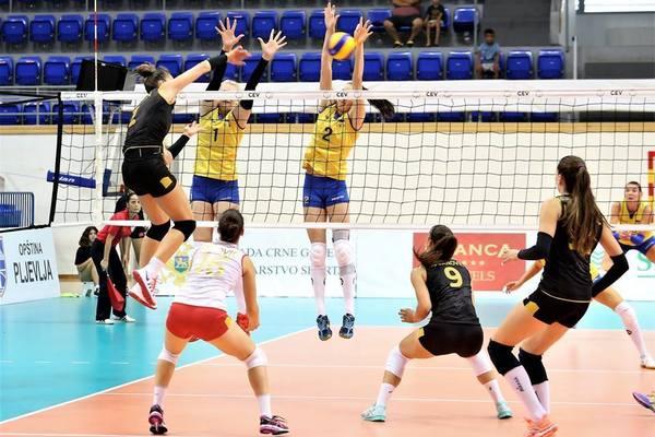Украинские спортсменки пробились на чемпионат Европы-2019 по волейболу