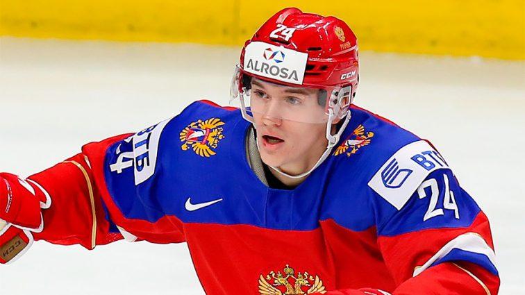 «Здесь все против нас»: Российский хоккеист устроил истерику после матча