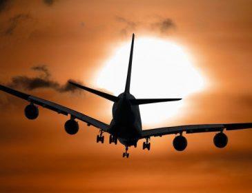 Самолет вместе с известным футболистом пропал с радаров